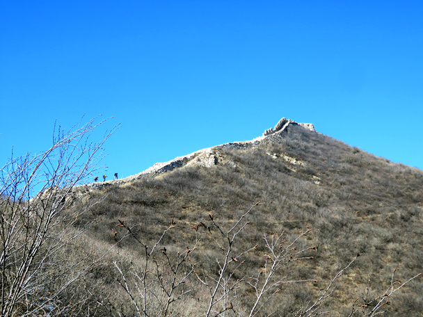 After a long walk up the valley the wall is almost within reach - Zhenbiancheng Great Wall Loop, 2017/2/25