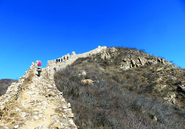 The broken bricks and crumbling stone make this section of wall trickier to walk on than other parts of the wall - Zhenbiancheng Great Wall Loop, 2017/2/25