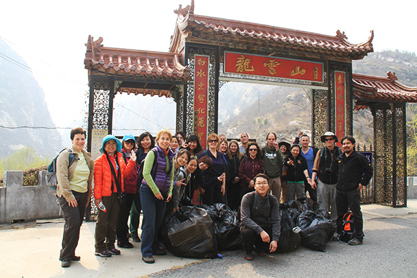 The cleanup crew, Beijing Hikers Earth Day Clean up, 2013/04/21