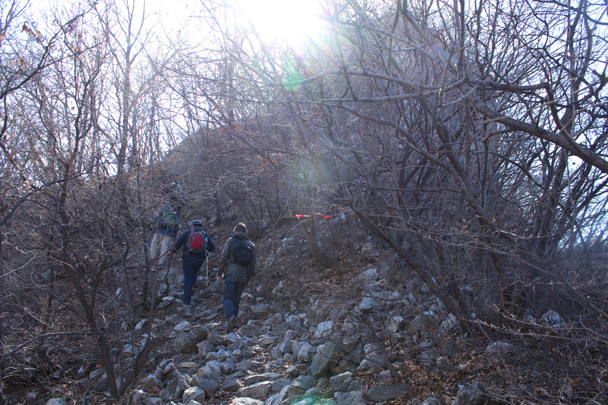 Hiking on the ruined remains of the Great Wall - Jiankou Big West Great Wall, 2015/02/11