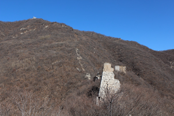 Looking back along the trail, with Nine-Eyes Tower just visible at the top of the hill - Jiankou Big West Great Wall, 2015/02/11