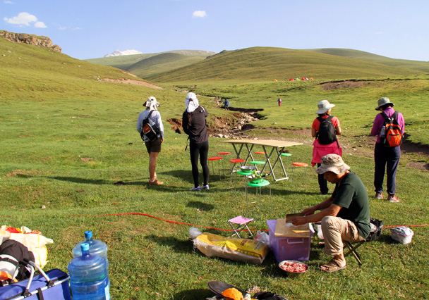 All set up and ready - Bayinbuluke Grasslands, Xinjiang, July 2016