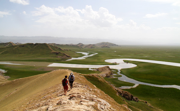 We hiked on along the ridge - Bayinbuluke Grasslands, Xinjiang, July 2016