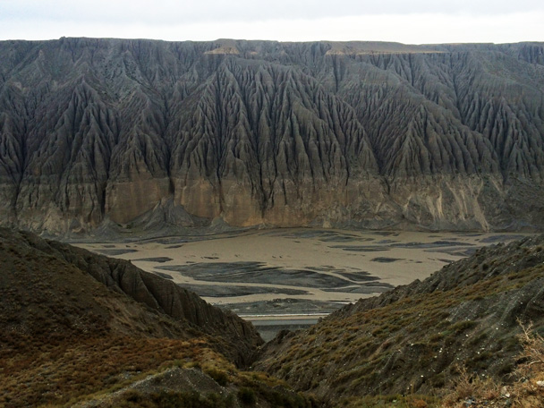 Cliffs and an old river valley - Bayinbuluke Grasslands, Xinjiang, July 2016