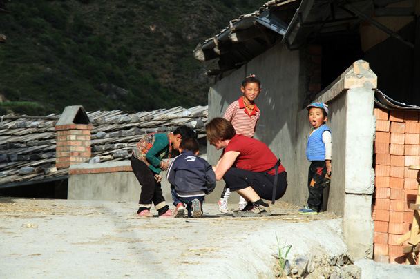 Local kids are very curious - Xiahe, Labrang Monastery, and Zhagana, Gansu Province, September 2015