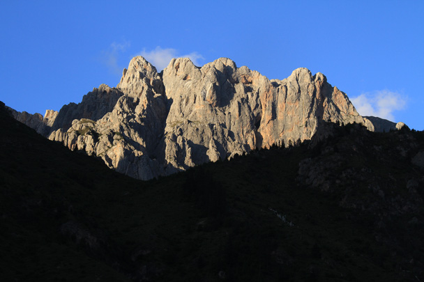 The last sun of the day on the cliffs - Xiahe, Labrang Monastery, and Zhagana, Gansu Province, September 2015