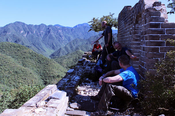 We took a break in the shade and enjoyed the views - Chinese Knot Great Wall, 2015/09/12
