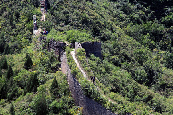 After centuries, the base of the Wall is still in pretty good condition - Gubeikou Great Wall Loop, 2015/09/19