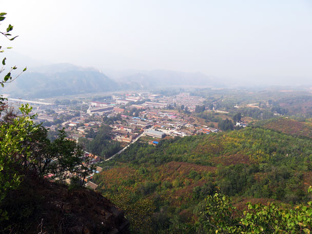 View of Gubeikou Village from the wall - Camping at the Gubeikou Great Wall, 2015/10