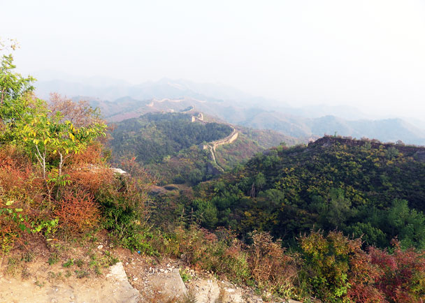 When the leaves turn red or yellow, the views of the wall are splendid - Camping at the Gubeikou Great Wall, 2015/10