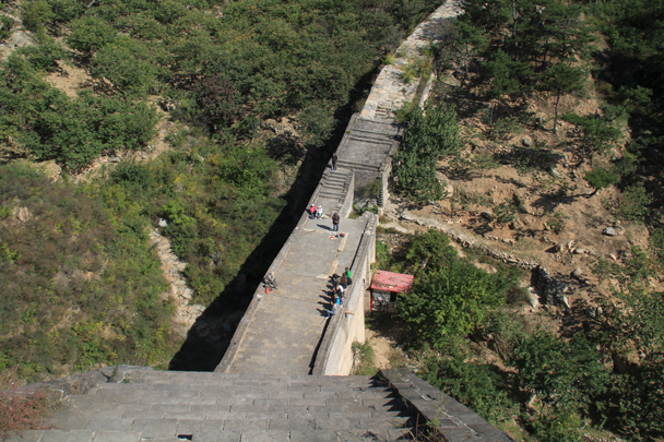 A steep downhill and we're on to the renovated section - Walled Village to Huanghuacheng Great Wall, 2015/10/09