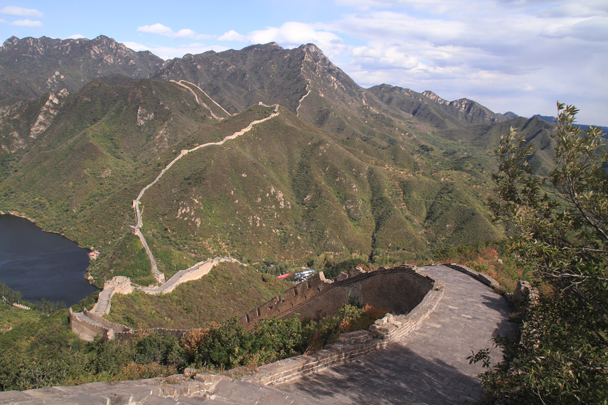 We'd finish the hike by following the wall down to the village at the bottom - Walled Village to Huanghuacheng Great Wall, 2015/10/09