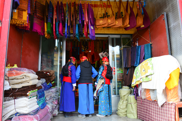 A small fabrics shop - Labrang Monastery and Tibetan New Year, 2016/02