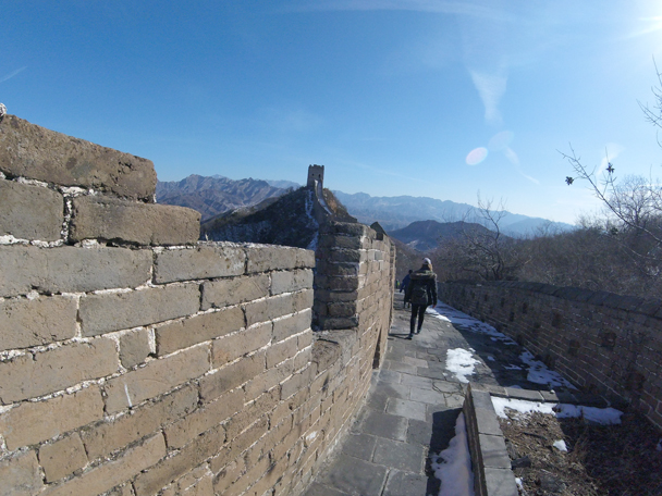 Starting to head down to the car park - Jinshanling Great Wall, 2016/02/17