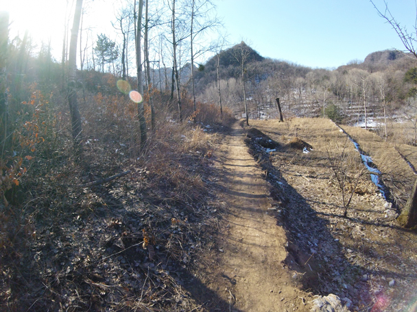 From the village we followed a dirt trail into the hills - Jiankou to Mutianyu Great Wall, 2016/02/24