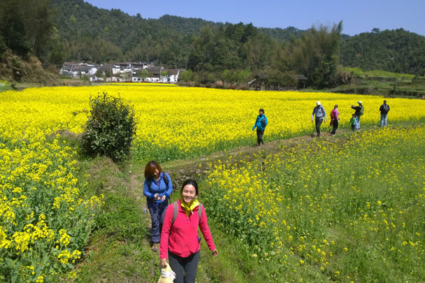 We took a hike around the village - Wuyuan, Jiangxi Province, 2016/03