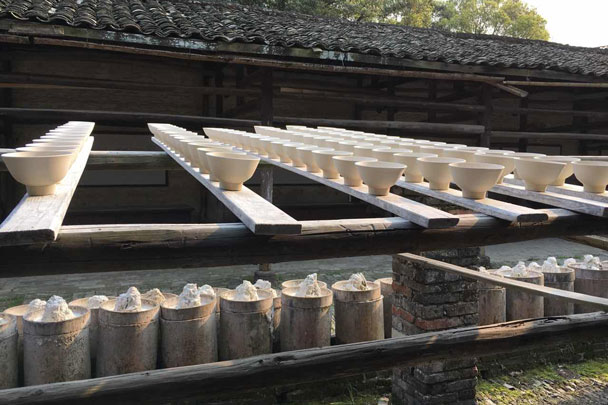 Drying the bowls before firing - Wuyuan, Jiangxi Province, 2016/03