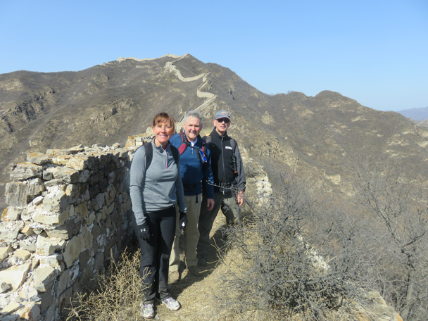Hikers on the Zhenbiancheng Great Wall - Shuitou Village Loop hike, 2016/03/26