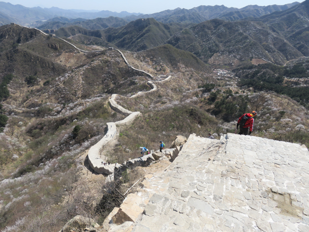 The repaired line of wall at Longquanyu - Longquanyu Great Wall, 2016/04/09