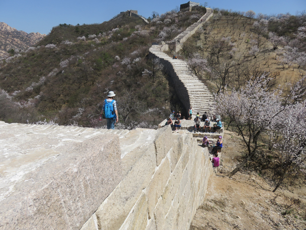 Down at the first dip - Longquanyu Great Wall, 2016/04/09