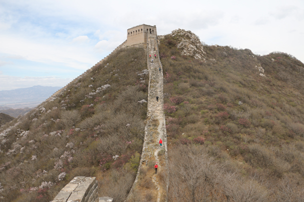 The steep climb up to the General's Tower - Stone Valley Great Wall Loop, 2016/4/16