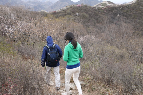 A side trail took us around a ruined section of wall - Stone Valley Great Wall Loop, 2016/4/16