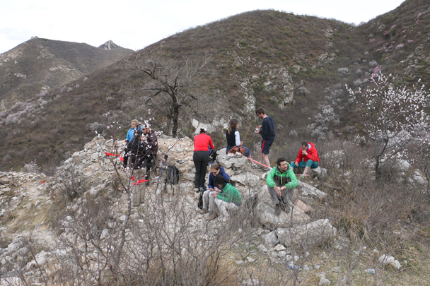 A last break on the wall before we walked down to finish - Stone Valley Great Wall Loop, 2016/4/16