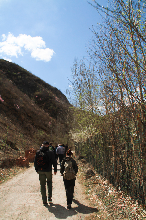 Hiking in to Hemp Village - Hemp Village to Gubeikou Great Wall, 2016/4/17