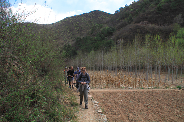 Back on our regular track - Hemp Village to Gubeikou Great Wall, 2016/4/17