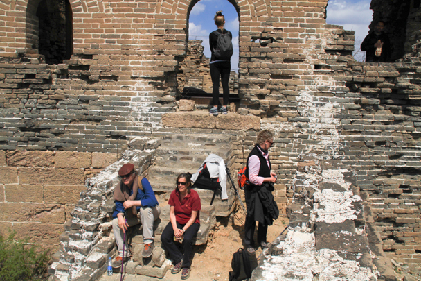 Taking a break at 24-Eyes Tower - Hemp Village to Gubeikou Great Wall, 2016/4/17
