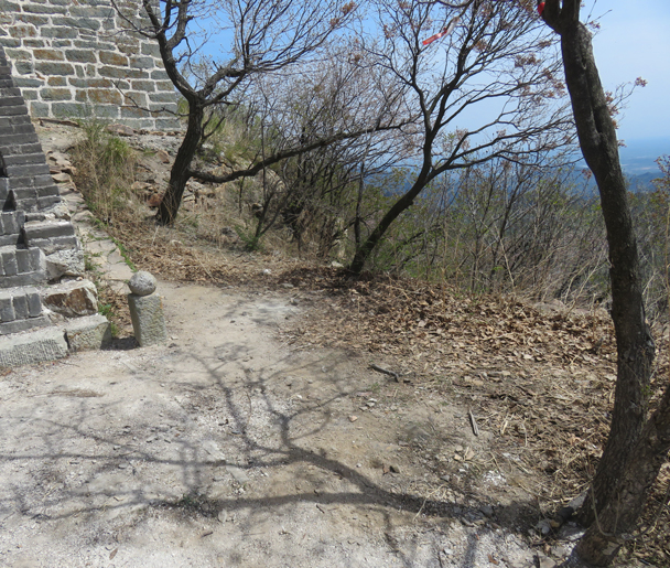 Now that's looking better - Great Wall clean up hike for Earth Day, 2016/4/23