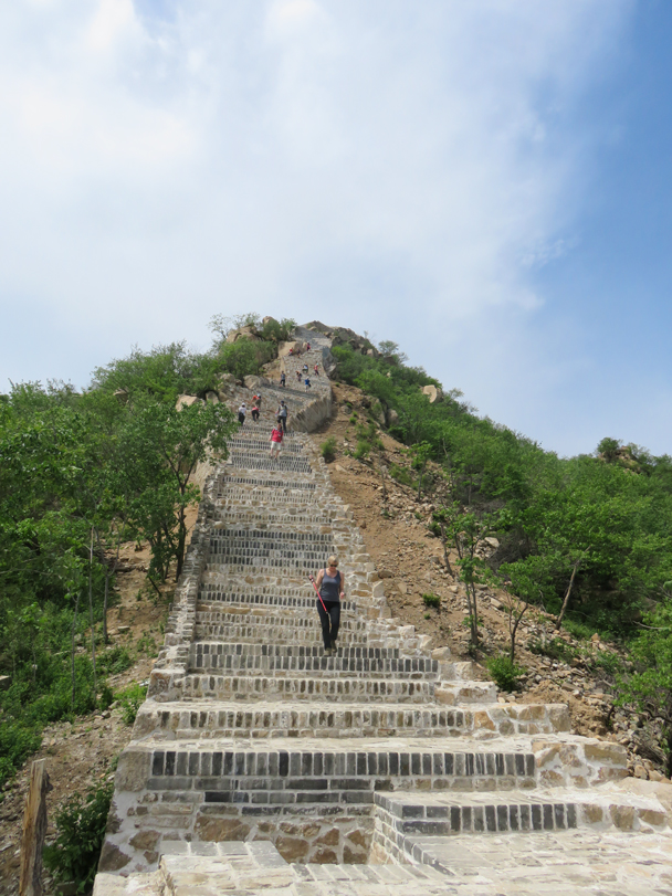 Another very steep staircase - Longquanyu Great Wall to the Little West Lake, 2016/05/04