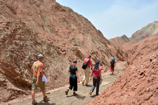 Walking the dried riverbed to find the way out - Along the Silk Road from Korla to Kashgar, June 2016