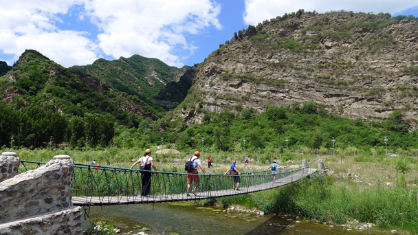 The wobbly suspension bridge. It's getting wobblier every year! - White River hike, 2016/6/11