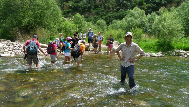 The first crossing - White River hike, 2016/6/11
