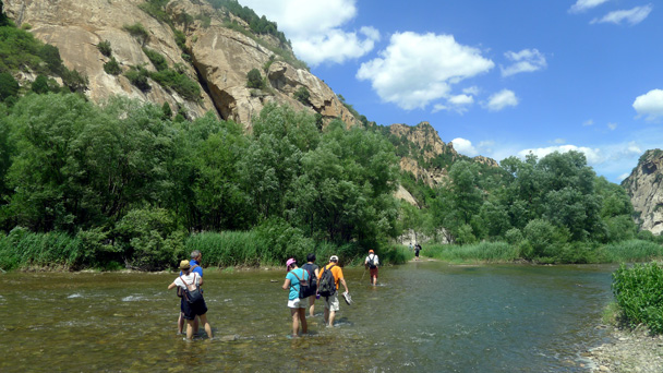 Second-to-last crossing - White River hike, 2016/6/11