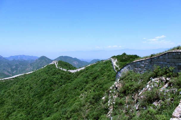 Another look back along the wall - Switchback Great Wall, 2016/06/18
