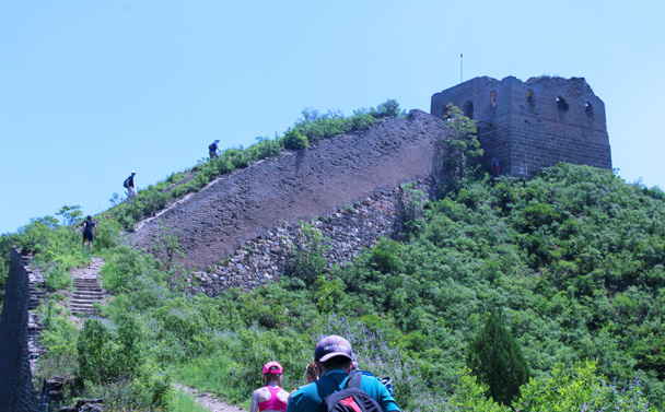 Getting closer - Gubeikou to Jinshanling Great Wall, 2016/07/02