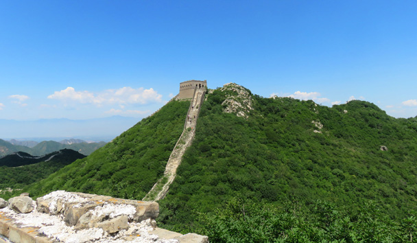 Up on the wall, and a great shot of the General's Tower, the tallest on this version of the hike - Middle Route of Switchback Great Wall, 2016/07/02