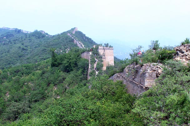 We headed up towards the tower in the background - Walled Village to the Little West Lake Great Wall, 2016/07/07