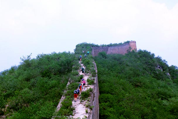 A shorter, but still steep climb - Walled Village to the Little West Lake Great Wall, 2016/07/07