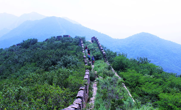 We hiked on the wall, heading for the General's Tower - Middle Route of Switchback Great Wall, 2016/07/23