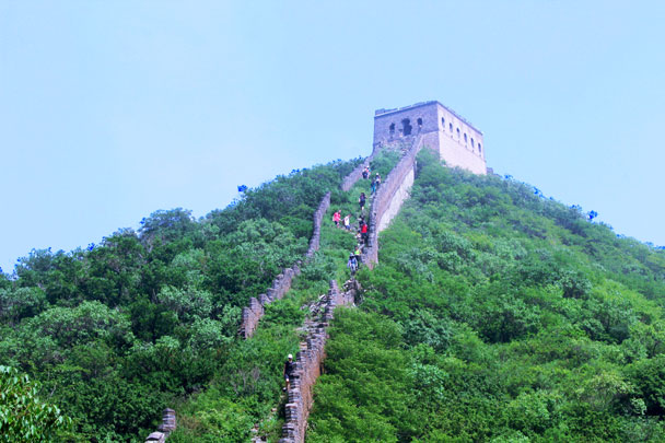 Coming down the other side of the General's Tower - Middle Route of Switchback Great Wall, 2016/07/23