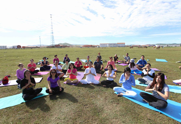 Yoga team - Yoga and Meditation at the Bashang Grasslands, August 2016