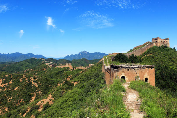 This photo is taken at the western end of the Jinshanling Great Wall, with the Gubeikou Great Wall visible in the far distance - Hemp Village to Jinshanling Great Wall East, 2016/08/14