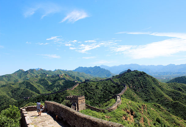 A broad view of the Jinshanling Great Wall. We'd walk all the way to the towers in the far distance - Hemp Village to Jinshanling Great Wall East, 2016/08/14