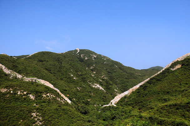 The pass in the Great Wall where the wall dips down - Switchback Great Wall Camping, 2016/8/20