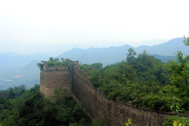 This shot is of the 'out' side of the wall. Imagine trying to attack it - Walled Village to Huanghuacheng Great Wall, 2016/08/24