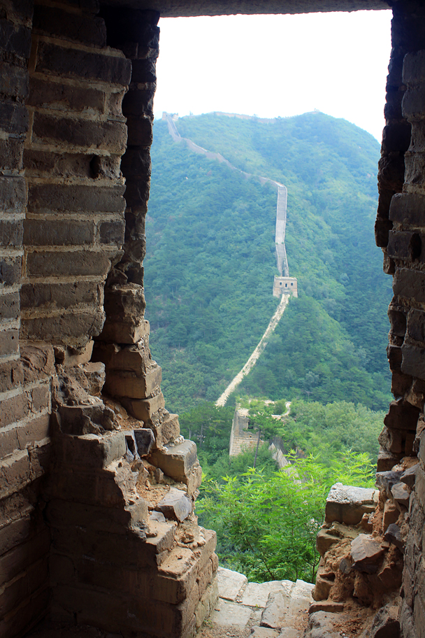 A view of the repaired section of wall. Steep! - Walled Village to Huanghuacheng Great Wall, 2016/08/24