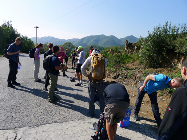 Getting ready to start walking - Yanqing Great Wall and High Tower Challenge, 2016/09/24
